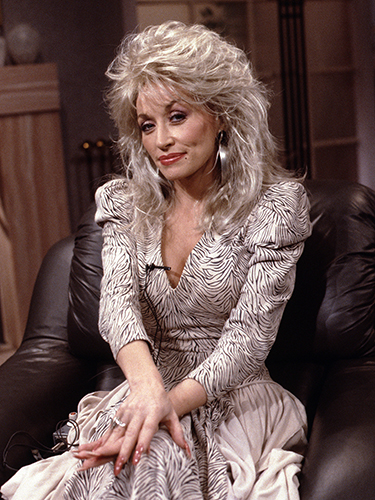 """GOOD MORNING AMERICA - 8/31/87 Dolly Parton on """"Good Morning America"""", 8/31/87. """"Good Morning America"""" airs Monday-Friday, 7-9 a.m., ET, on the ABC Television Network.   GM87 (ABC/Fred Watkins) DOLLY PARTON"""