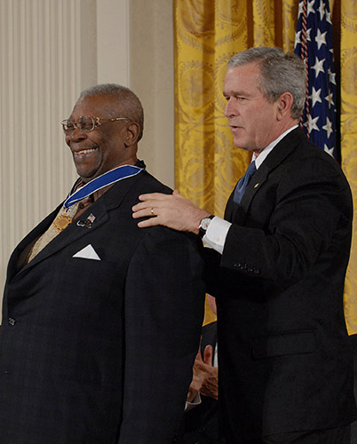 """B.B. King; Norman C. Francis ;John Buck O"""" Neil get Medal of Freedom Award at  The White House. Please give to M. West   _Fred Watkins, JPC Photographer"""
